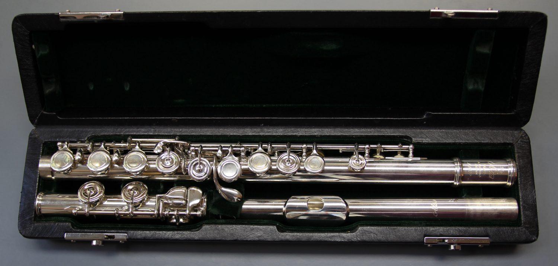 gebrauchte Querflöte Altus A 1007 Silberrohr